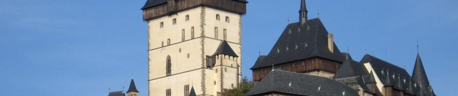 Hrad Karlštejn - pěšky přibližně 3 km.